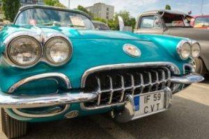 Vintage_Corvette